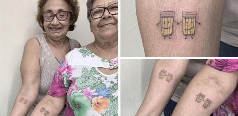 Duas idosas que são amigas há mais de 30 anos decidiram celebrar a amizade de longa data tatuando o desenho de algo que elas adoram.