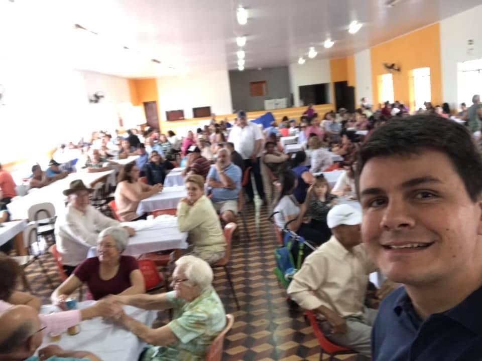 Numa iniciativa do grupo da terceira idade com apoio do prefeito Rafael, os idosos de Moreira Sales vivenciaram momentos de muita alegria.