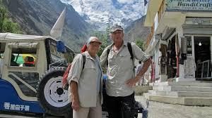 Quando se casaram em 1958, continuaram suas aventuras e exploraram toda a Europa de carro por onde acamparam na companhia dos dois filhos