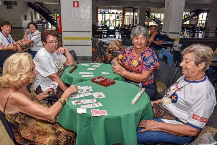 Na manhã de sexta-feira (15), o Grêmio Recreativo Companhia Paulista recebeu grupos da terceira idade, familiares e autoridades para a abertura dos Jogos.