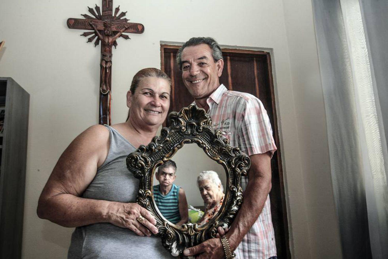 Rosa Maria de Matos Mota, de 59 anos, só começou a descobrir as formas mais adequadas para cuidar da mãe e da irmã, ambas idosas e diagnosticadas