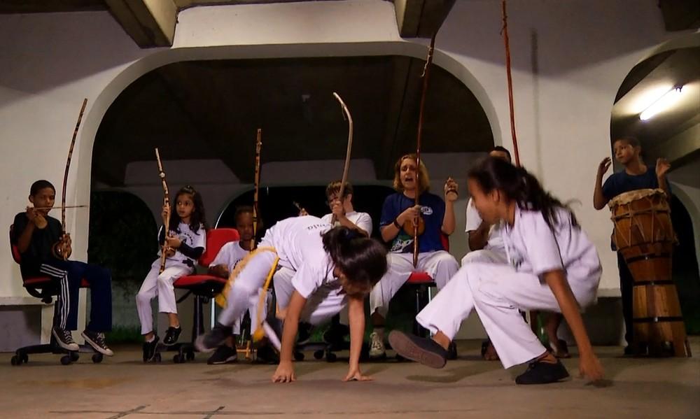 O Plugue deste final de semana falou sobre a arte marcial e mostrou que, desde a infância até a terceira idade, a capoeira traz vários benefícios.