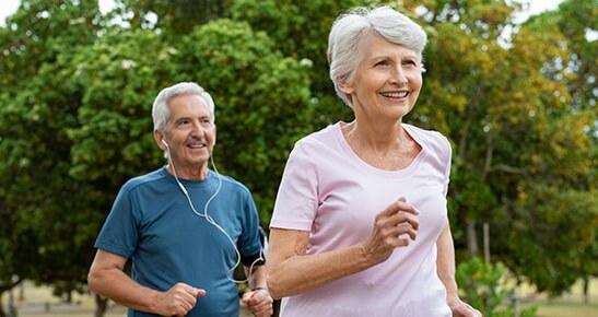 Como a fonoaudiologia auxilia no combate aos efeitos do envelhecimento? Antes de responder, é interessante identificar alguns sinais.