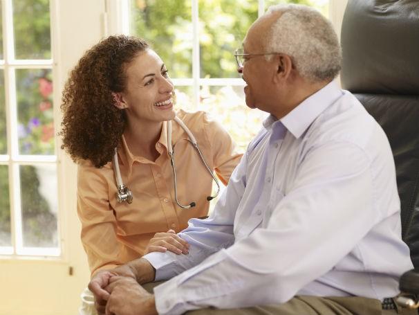 O respeito ao idoso não é um fato natural, automático, espontâneo. Com frequência as pessoas são valorizadas pela capacidade de produzir e consumir.