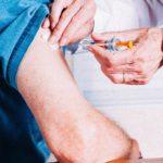 Saúde vacina 90,66% dos idosos; segunda etapa começa amanhã